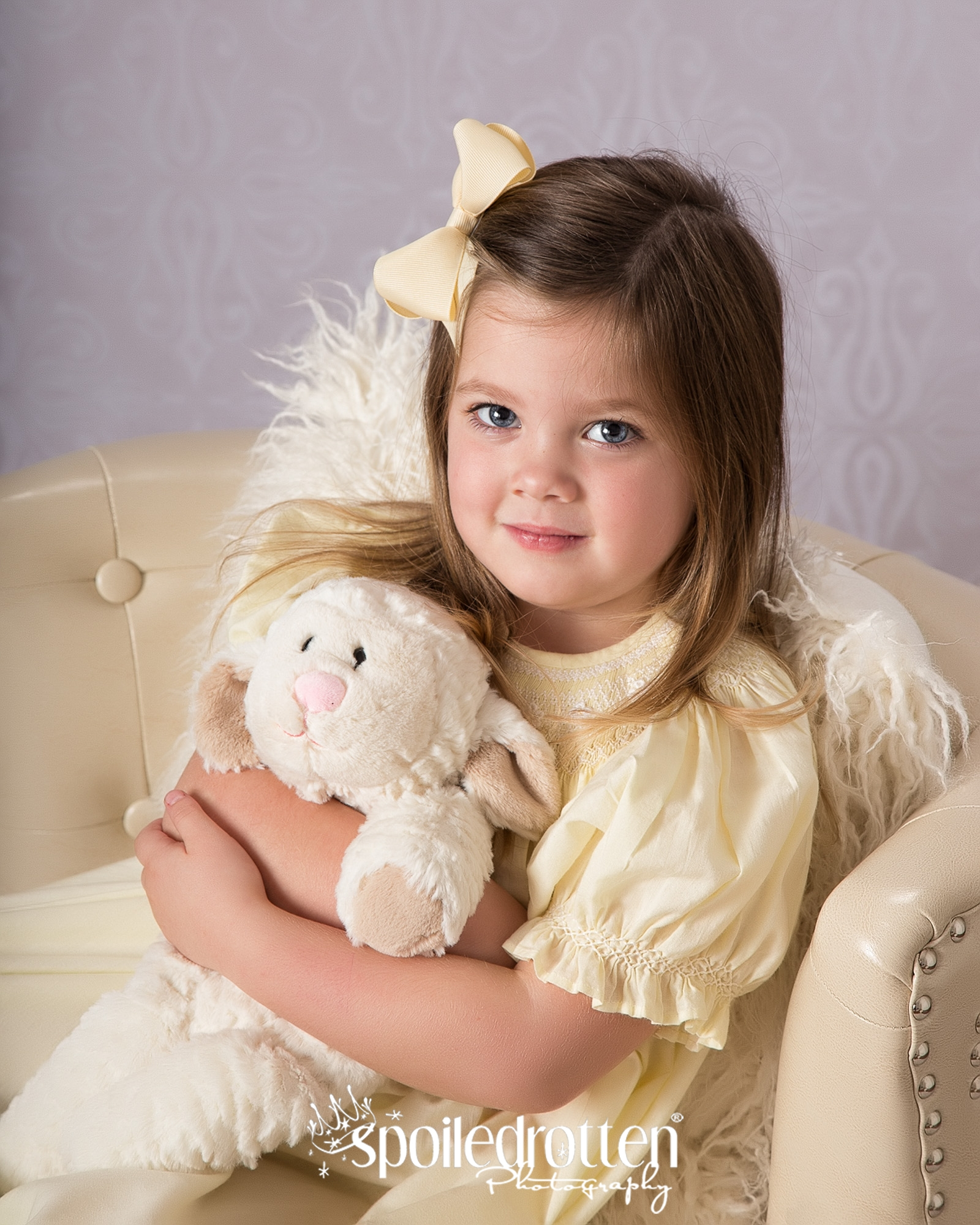 Preschool_picture_girl_lamb