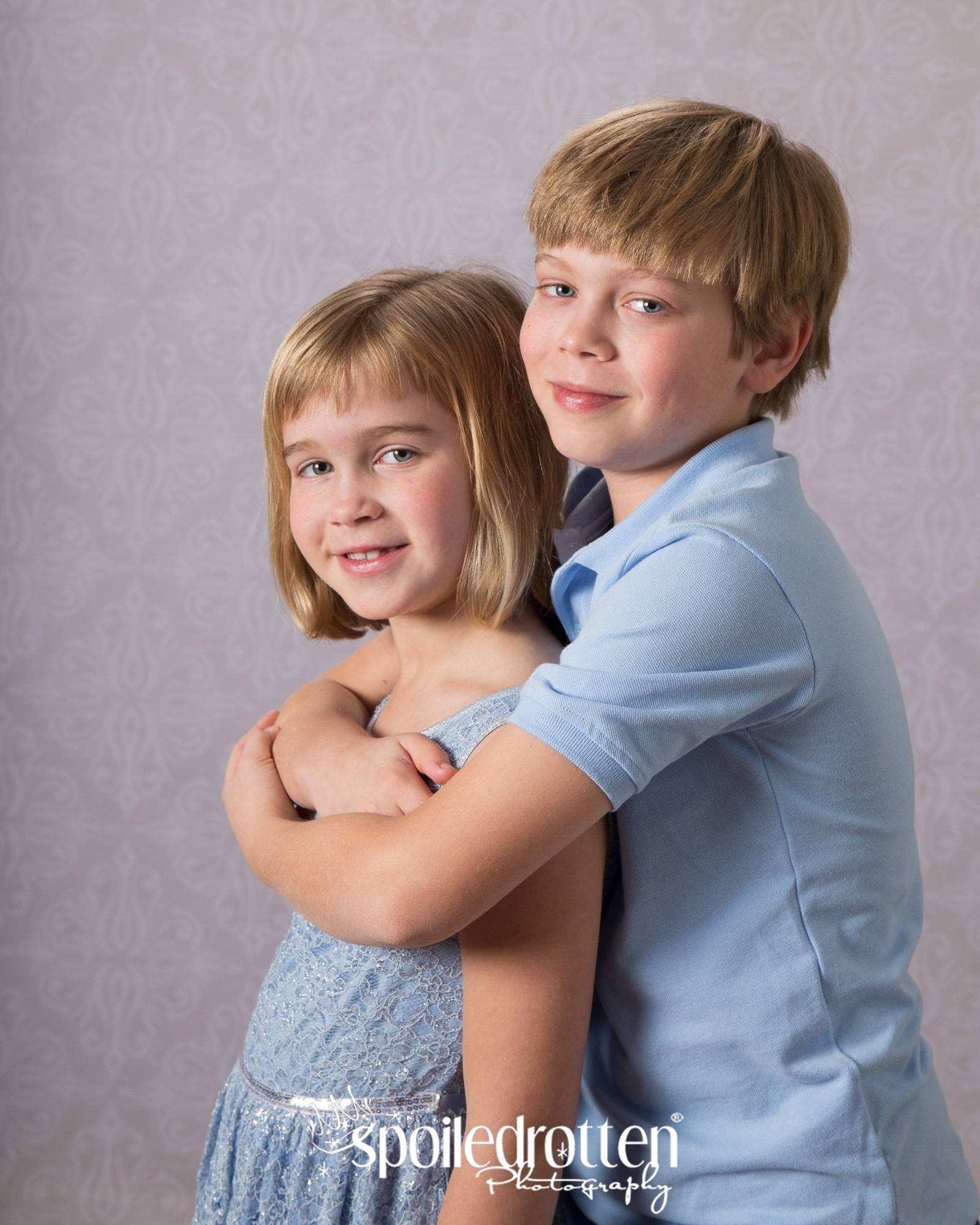 School_Pictures_boy_hugging_girl