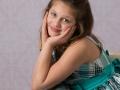 school_picture_girl_hands_smiling