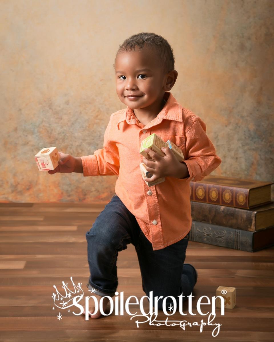 preschool_portraits_boy_running