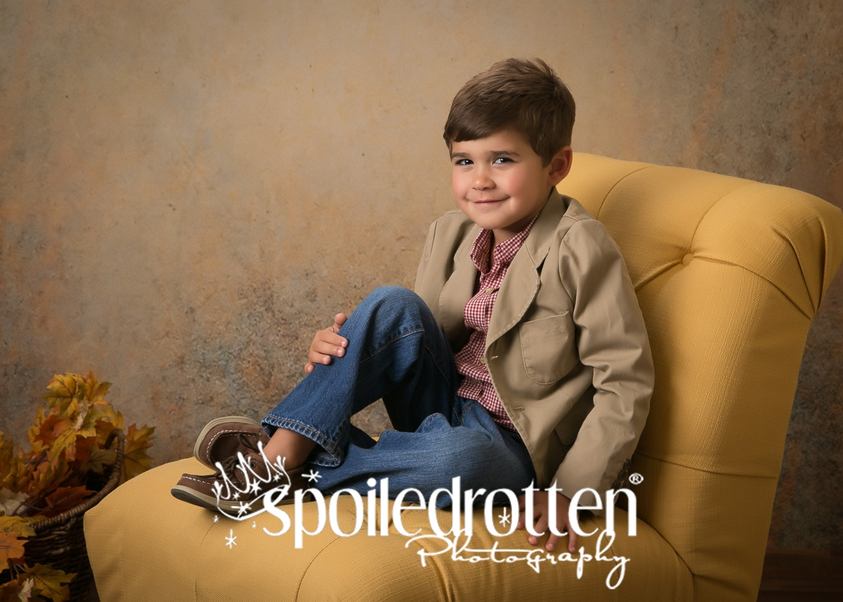 preschool_portraits_boy_sitting_3