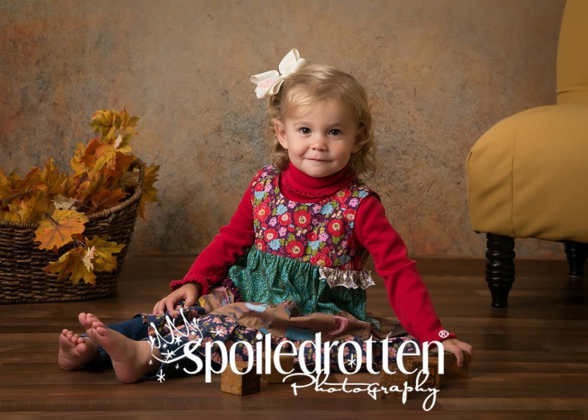 preschool_portraits_girl_floor