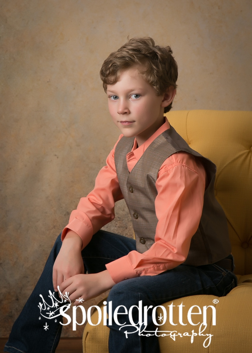 preschool_picture_boy_sitting_up