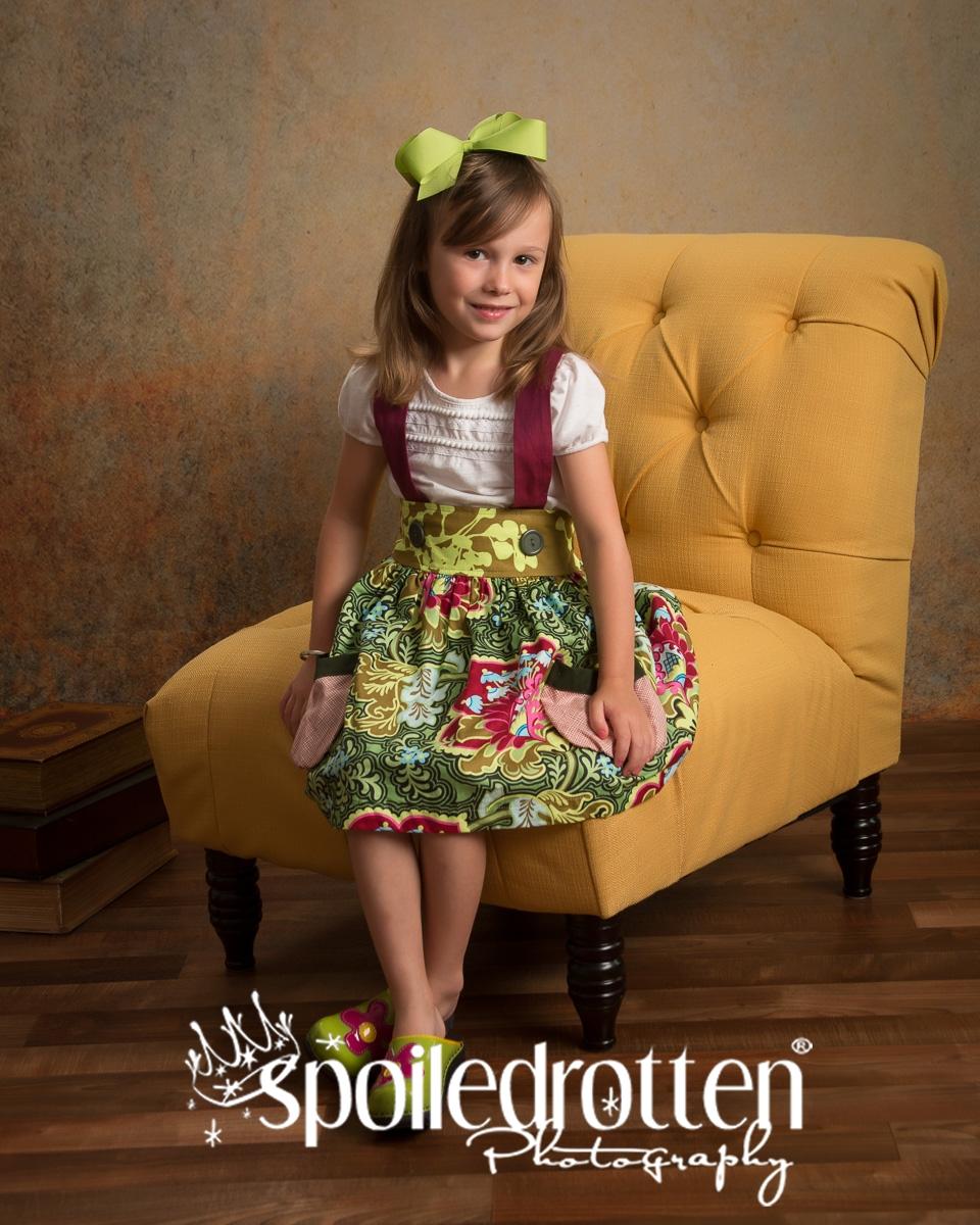 preschool_picture_girl_sitting