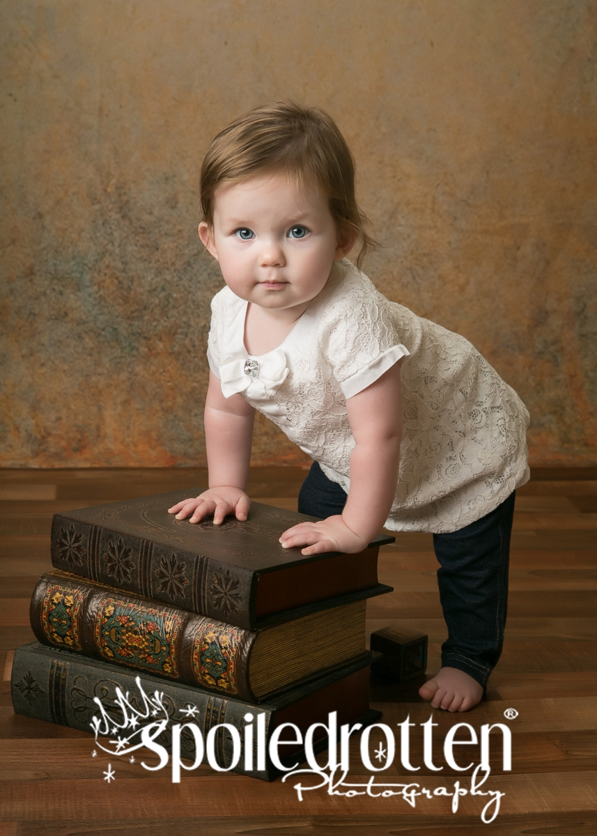 preschool_picture_girl_leaning_on_bench